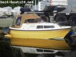 MOTOR BOATS: WEST BAY KESER 690