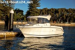 MOTOR BOATS: PARKER 660 PILOTHOUSE