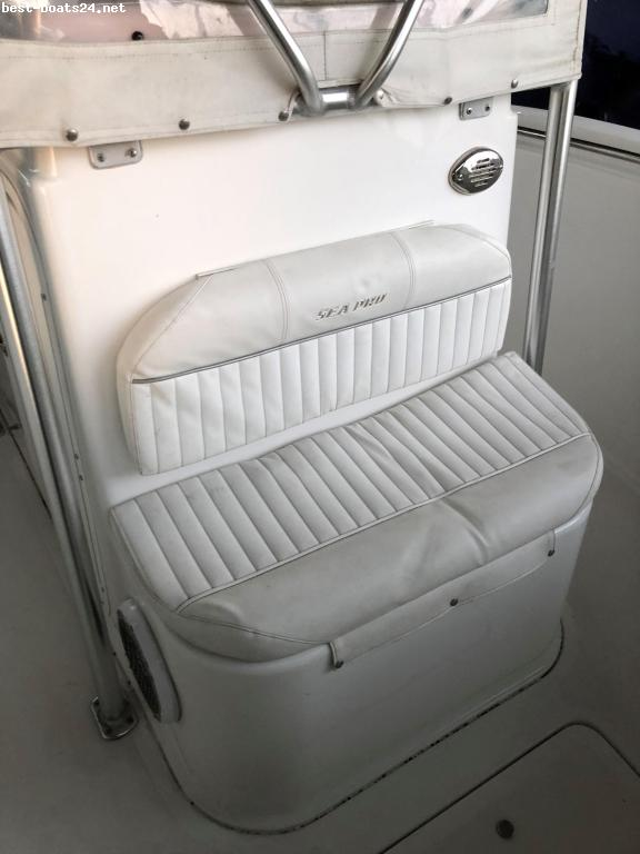 27' SEA PRO 270 CENTER CONSOLE