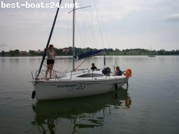 SAILING BOATS: MARINER 20