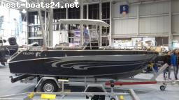MOTOR BOATS: VIKING 550 C T-TOP ALUBOOT