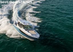 MOTOR BOATS: BOSTON WHALER 405 CONQUEST