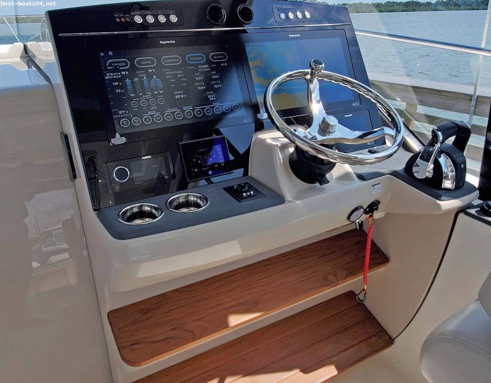 BOSTON WHALER 405 CONQUEST