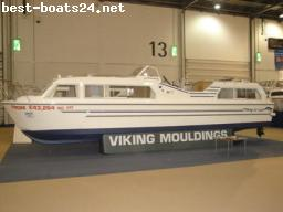 MOTOR BOATS: VIKING 32 AK NARROWBOAT