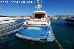 MOTOR BOATS: MOCHI CRAFT 64' DOLPHIN
