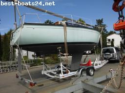 SAILING BOATS: DUFOUR 2800