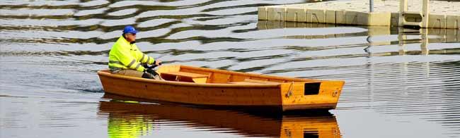 Flachbodenboot
